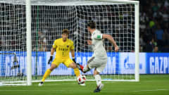 ABU DHABI, UNITED ARAB EMIRATES - DECEMBER 19: Gareth Bale of Real Madrid scores the opening goal during the FIFA Club World Cup semi-final match between Kashima Antlers and Real Madrid at Zayed Sports City Stadium on December 19, 2018 in Abu Dhabi, United Arab Emirates. (Photo by David Ramos - FIFA/FIFA via Getty Images)