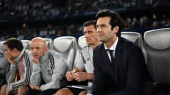 ABU DHABI, UNITED ARAB EMIRATES - DECEMBER 19: Santiago Solari, Manager of Real Madrid looks on during the FIFA Club World Cup semi-final match between Kashima Antlers and Real Madrid at Zayed Sports City Stadium on December 19, 2018 in Abu Dhabi, United Arab Emirates. (Photo by Michael Regan - FIFA/FIFA via Getty Images)