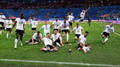 SAINT PETERSBURG, RUSSIA - JULY 02: The Germany team celebrate with the FIFA Confederations Cup trophy after the FIFA Confederations Cup Russia 2017 Final between Chile and Germany at Saint Petersburg Stadium on July 2, 2017 in Saint Petersburg, Russia.  (Photo by Buda Mendes/Getty Images)