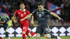 BELGRADE, SERBIA - JUNE 11: Sam Vokes (R) of Wales in action against Nemanja Matic (L) of Serbia during the FIFA 2018 World Cup Qualifier between Serbia and Wales at stadium Rajko Mitic  on June 11, 2017 in Belgrade, Serbia. (Photo by Srdjan Stevanovic/Getty Images)