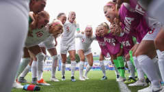 VANNES, FRANCE - AUGUST 20: Players of England huddle prior to the FIFA U-20 Women's World Cup France 2018 Semi Final semi final match between England and Japan at Stade de la Rabine on August 20, 2018 in Vannes, France.  (Photo by Alex Grimm - FIFA/FIFA via Getty Images)