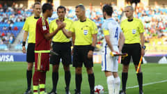 SUWON, SOUTH KOREA - JUNE 11:  Referee Bjorn Kuipers shakes hands with captains Yangel Herrera of Venezuela and Lewis Cook of England prior to the FIFA U-20 World Cup Korea Republic 2017 Final between Venezuela and England at Suwon World Cup Stadium on June 11, 2017 in Suwon, South Korea.  (Photo by Maddie Meyer - FIFA/FIFA via Getty Images)