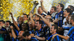 ABU DHABI, UNITED ARAB EMIRATES - DECEMBER 18: The Inter Milan team celebrate winning the FIFA Club World Cup Final between TP Mazembe Englebert and FC Internazionale Milano at Zayed Sports City on December 18, 2010 in Abu Dhabi, United Arab Emirates.  (Photo by Michael Regan - FIFA/FIFA via Getty Images)